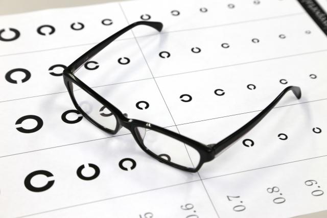 時々斜視になる「間欠性外斜視」が眼精疲労の原因に