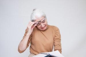 近い未来、老眼の治療薬が実現する可能性が!