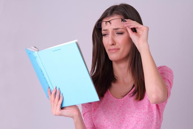 40代の目のかすみ…それ、老眼ではなく眼精疲労の可能性アリです。
